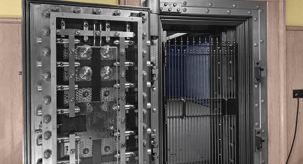 Банковский сейф, архивное фото