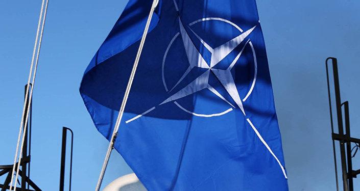 Plašsaziņas līdzekļi  NATO karogs. Foto no arhīva