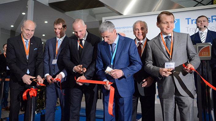 Каспарс Озолиньш на официальном открытии выставки в рамках 22-й Международной конференции для грузовладельцев, логистов и перевозчиков ТрансРоссия