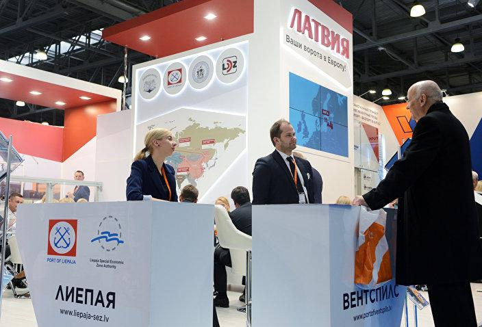 Стенд латвийских портов на выставке в рамках 22-й Международной конференции для грузовладельцев, логистов и перевозчиков ТрансРоссия