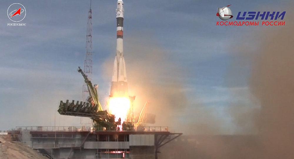 No Baikonuras kosmodroma startē kosmosa kuģis Sojuz MS -04. Tiešraide
