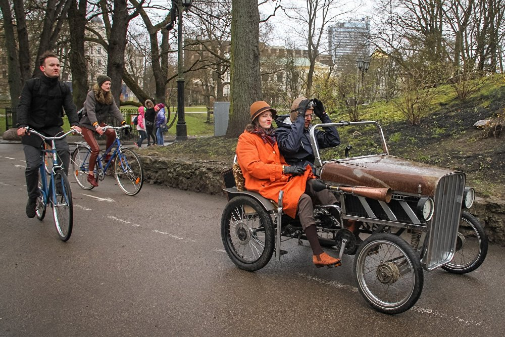 Твидовый заезд на велосипедах в Риге