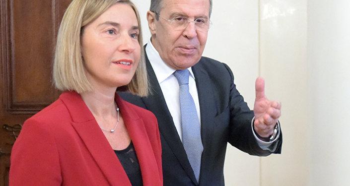 ES augstā pārstāve ārlietās un drošības politikas jautājumos Federika Mogerīni ieradās Maskavā, lai tiktos ar Krievijas ārlietu ministru Sergeju Lavrovu.
