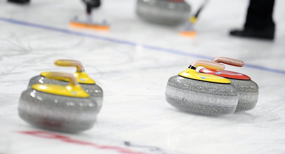 Русские кёрлингисты выиграли 4 матча начемпионате мира вКанаде