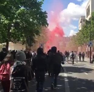 Марш парижских школьников и лицеистов против Марин Ле Пен и Эммануэля Макрона