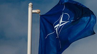 Флаг Организации Североатлантического договора (НАТО), архивное фото