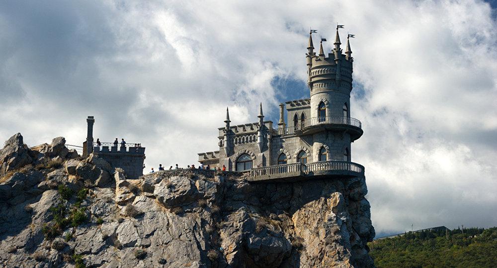 Pils Bezdelīgas ligzda Krimā