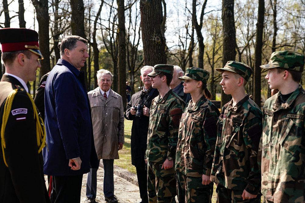 Президент Латвии Раймондс Вейонис пообщался с молодежью