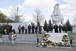 Jau desmito gadu Latvija 8. maijā atzīmēja Otrā pasaules kara upuru piemiņas dienu.