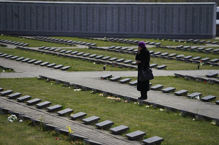 Памятные мероприятия на Братском кладбище в Лестене