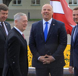 Baltijas valstu un ASV aizsardzības ministri tikšanās laikā Viļņā