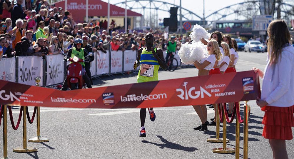 Победитель Рижского марафона Джозеф Кенго, Кения