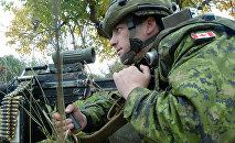 Канадский военнослужащий во время учений