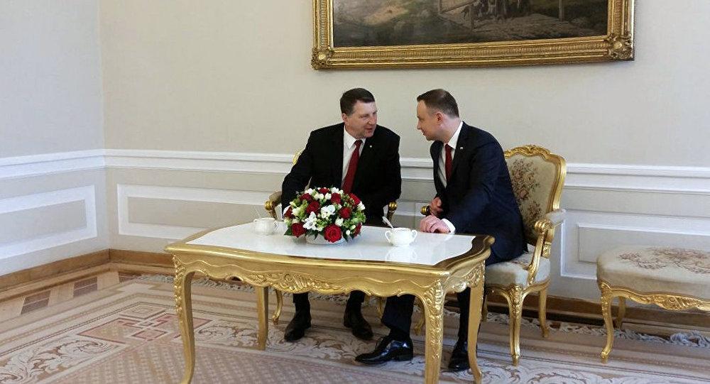 Двусторонняя встреча президента Латвии Раймондса Вейониса и президента Польши Анджея Дуды