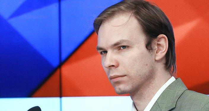 Павел Тимофеев -научный сотрудник отдела европейских политических исследований Института Мировой Экономики и Международных Отношений РАН