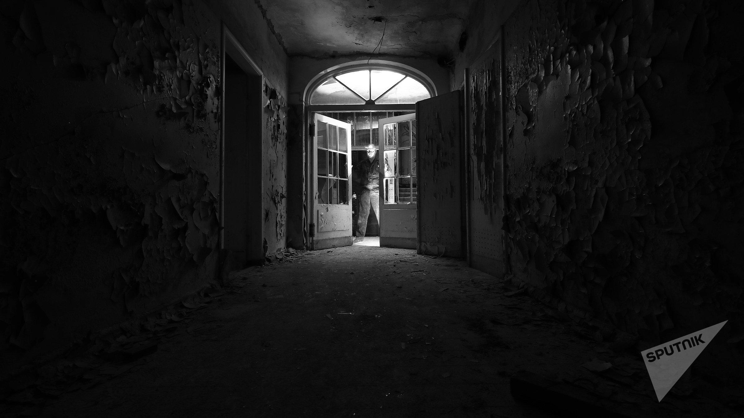 Тишина, заброшенная больница на улице Эзермалас в Межапарке
