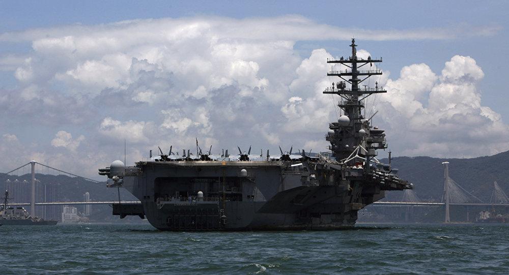 Aviācijas bāzes kuģi Ronald Reagan. Foto no arhīva