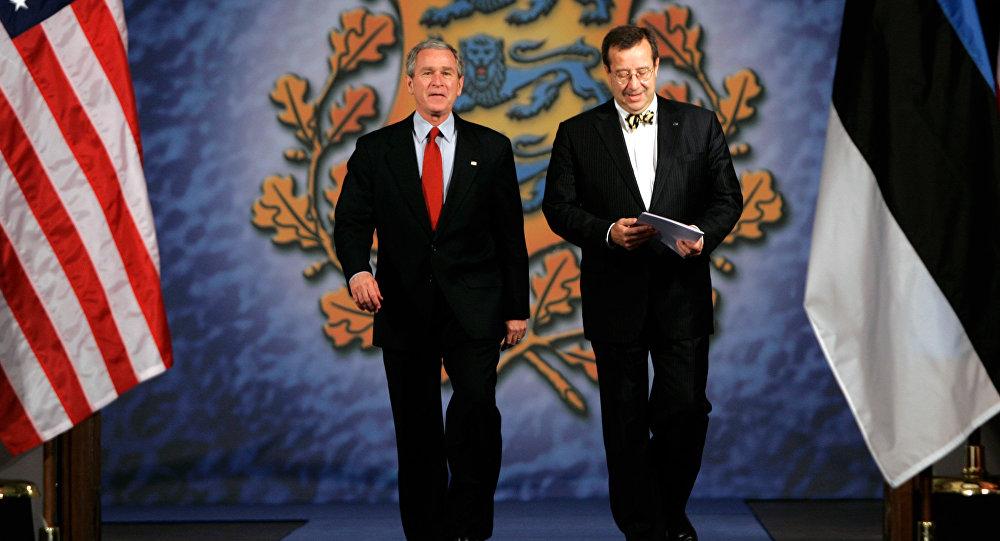 Džordžs Bušs un Tomass Hendriks Ilvess