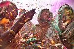Шаши Шекхар Кашьяп, Индия. Вдовы на празднике красок