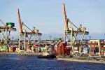 Контейнерный терминал в Рижском порту