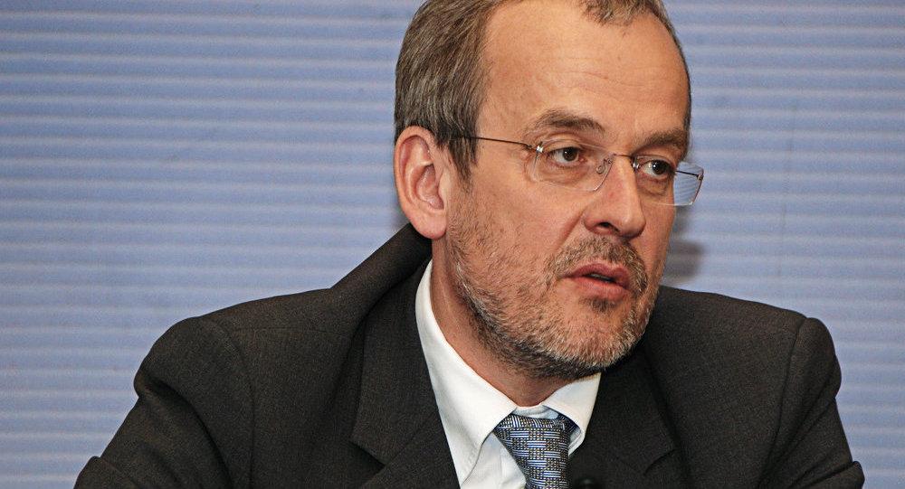 Евродепутат Робертс Зиле