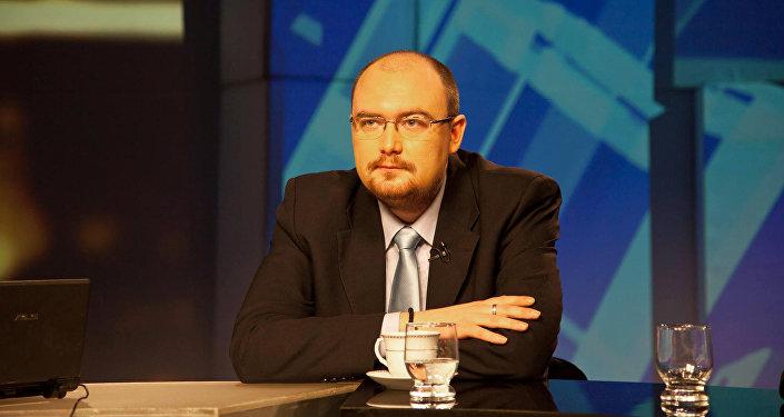 Политолог Денис Денисов