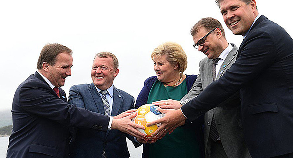 Премьер-министр Финляндии Юха Сипиля, премьер-министр Швеции Стефан Лёвен, премьер-министр Норвегии Эрна Сульберг, премьер-министр  Дании Ларс Лёкке Расмуссен и премьер-министр Исландии Бьярни Бенедиктссон