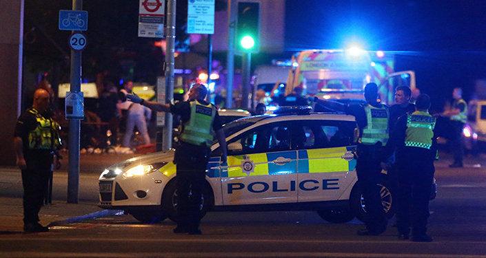 Policija notikuma vietā uz Londonas tilta, 2017. gada 4. jūnijs