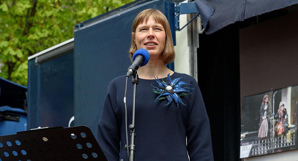 Президент Эстонии пообещала намесяц переехать крусским вНарву