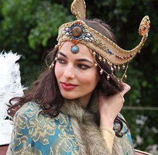 Яркое открытие фестиваля Времена и эпохи. Собрание в парке Царицыно