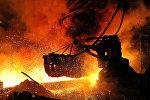 В цехе чугуноплавильного завода