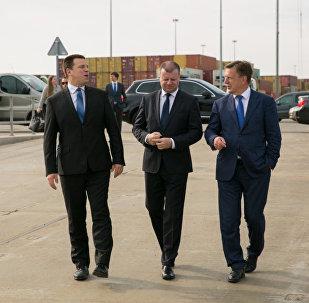 Latvijas premjerministrs Māris Kučinskis devās uz Klaipēdu uz tikšanos ar pārējo Baltijas valstu vadītājiem: Lietuvas premjerministru Sauļu Skverneli un Igaunijas Ministru Kabineta vadītāju Jiri Ratasu