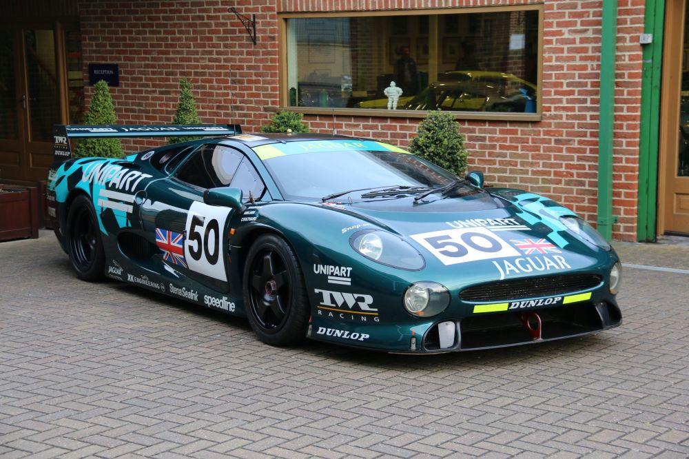 Automašīna Jaguar XJ220C