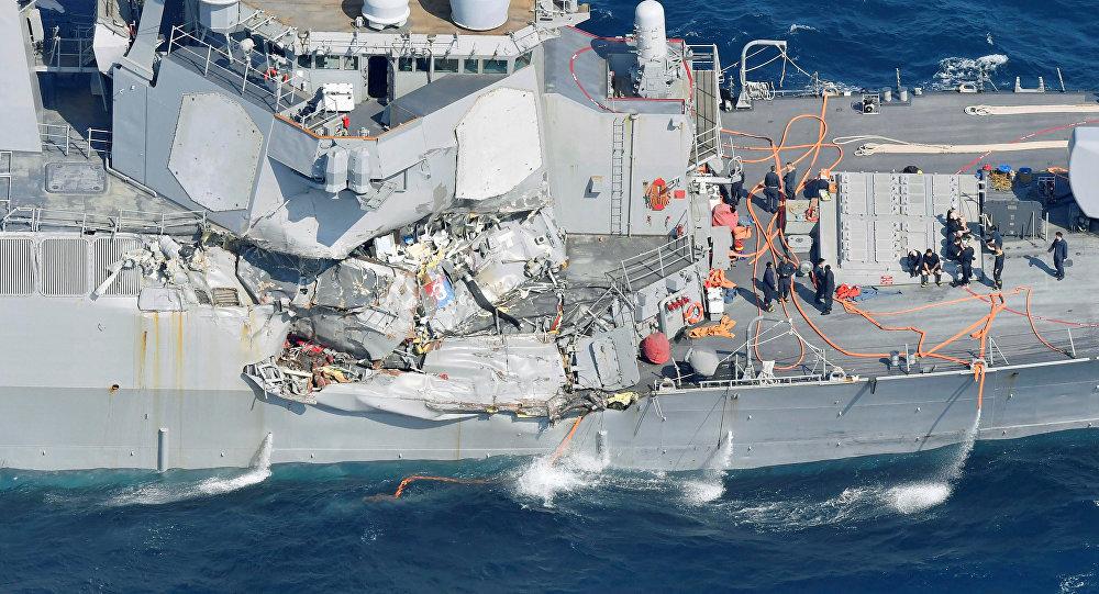 Eskadras kuģa Fitzgerald applūdušajā daļā atrasti pazudušo jūrnieku līķi