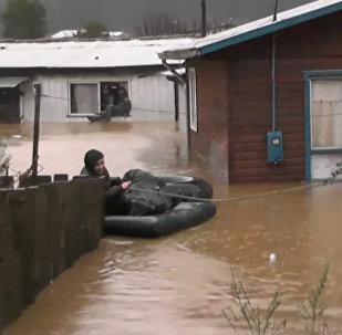 Plūdos Čīlē cietuši vairāki tūkstoši cilvēku