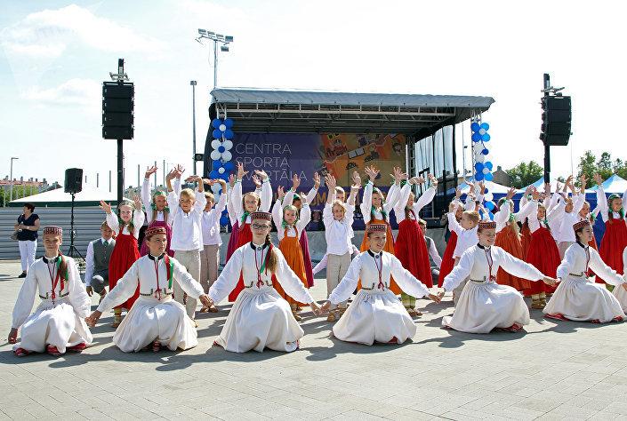 Площадку открыли творческими мероприятиями для детей и музыкальными выступлениями