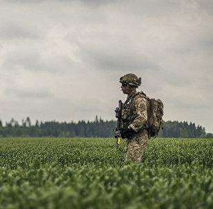 Karavīrs mācībās