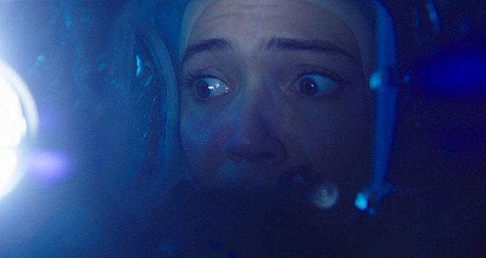 Кадр из фильма Синяя бездна