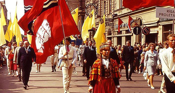 Dziesmu svētki Rīgā, Ļenina ielā, 1973. gads