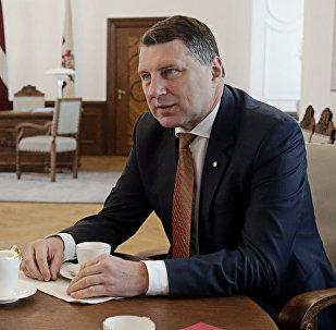 Президент Латвии Раймондс Вейонис и комиссар по правам человека Совета Европы Нил Муйжниекс