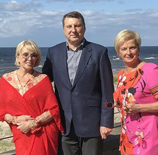 Latvijas prezidenta Raimonda Vējoņa tikšanās ar Laimu Vaikuli un Elitu Mīlgrāvi