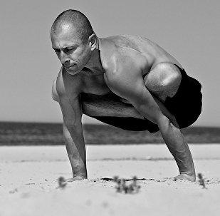 Латвийский мастер йоги Сергей Павлюкевич
