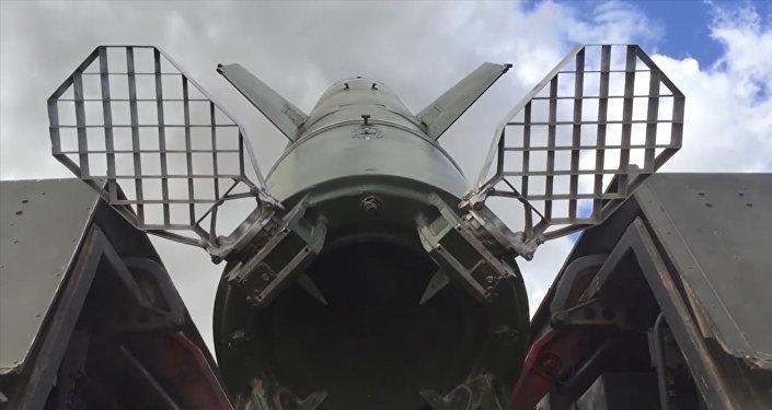Krievijas Aizsardzības ministrija parādīja kā darbojas raķešu komplekss Točka U