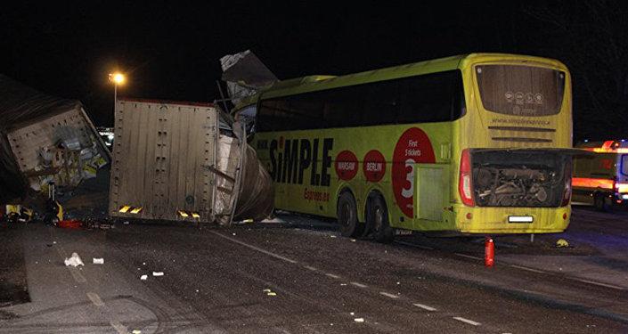 Pasažieru autobusa Sanktpēterburga-Rīga avārija