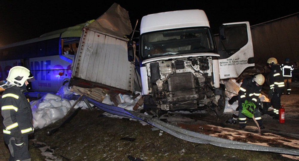 Autobusa avārija maršrutā Sanktpēterburga-Rīga.