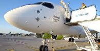 Самолет Air Baltic Bombardier CS300 аэропорту Рига