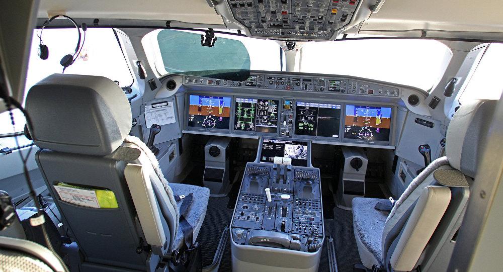 Lidmašīnas Air Baltic Bombardier CS300 pilota kabīne