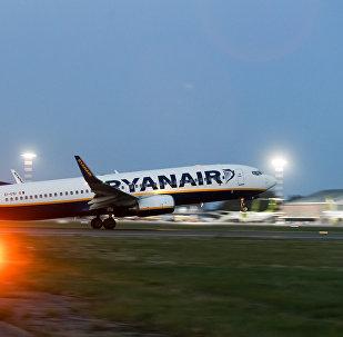 Aviokompānijas Ryanair lidmašīna izlido no lidostas Rīga