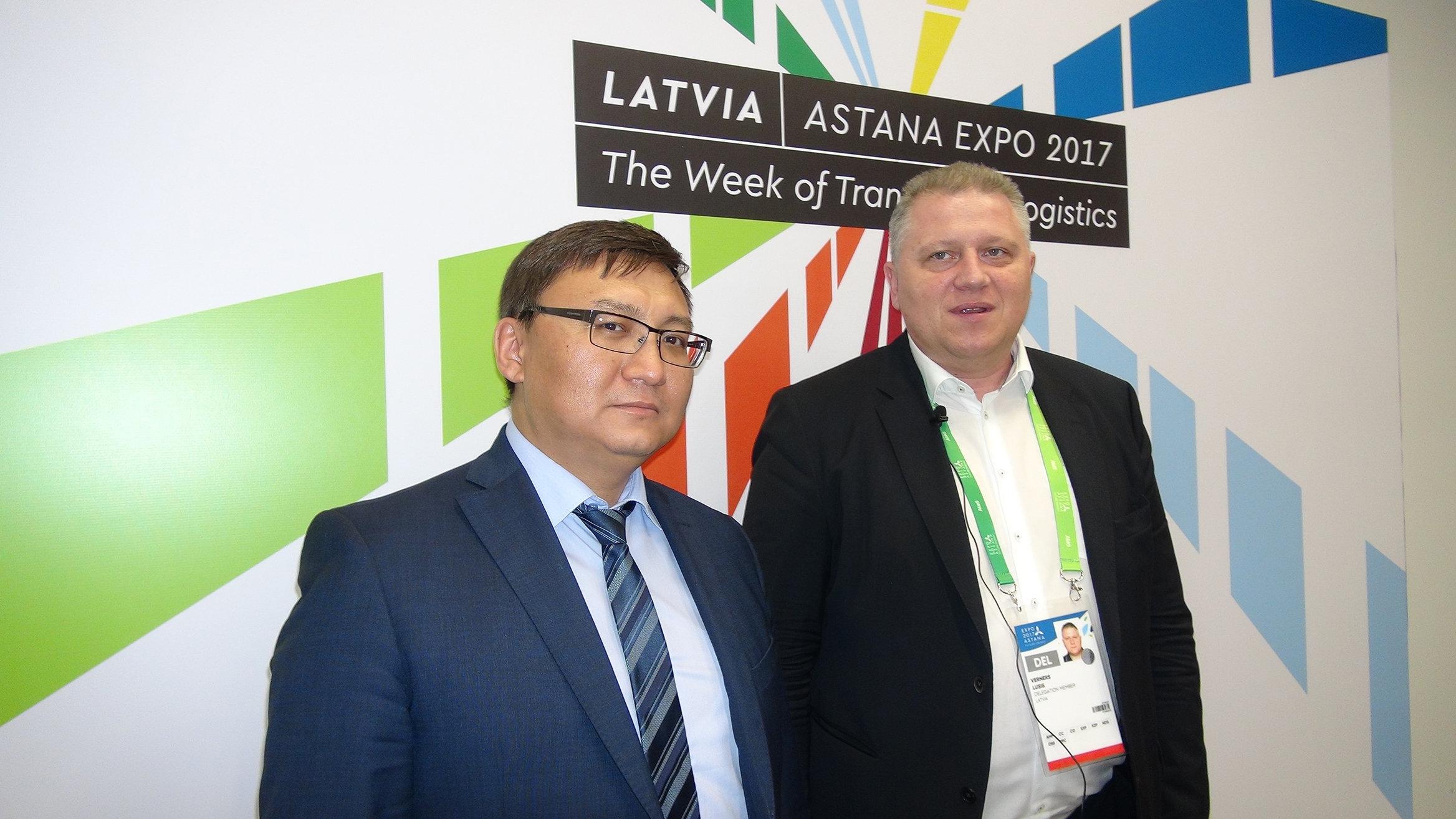 Директор департамента контейнерных перевозок KTZ Express Алмат Каримов и председатель правления LDz Logistika Вернерс Лусис