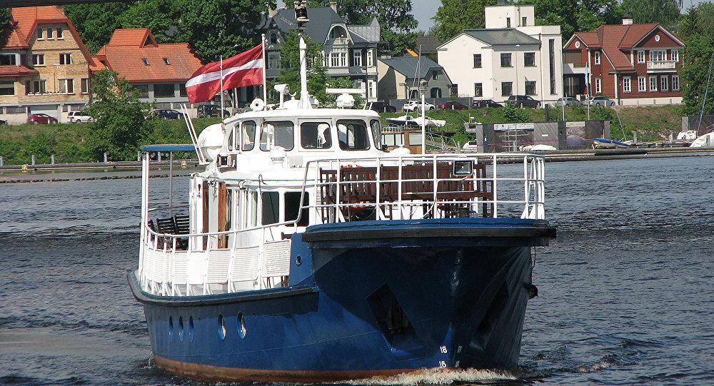 Рейдово-портовое пассажирское судно Горизонт